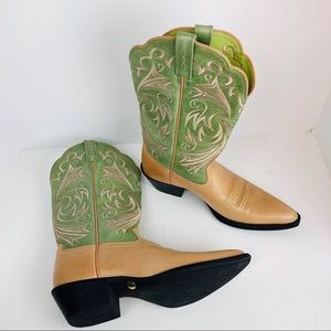 Ariat heritage cowboy boots new  size 7.5 15797